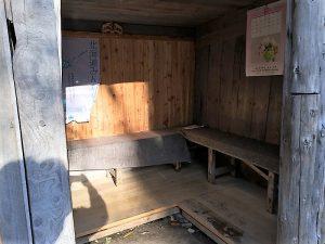 からまつの湯の更衣室